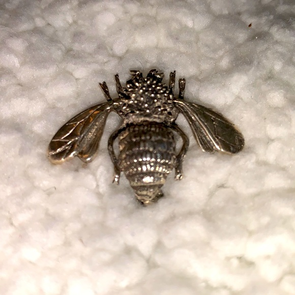 🍭STERLING SILVER BUMBLEBEE PIN